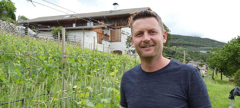 Italien-Wein-Suedtirol-Strasserhof-Hannes Strasser Winzer im Eisacktal