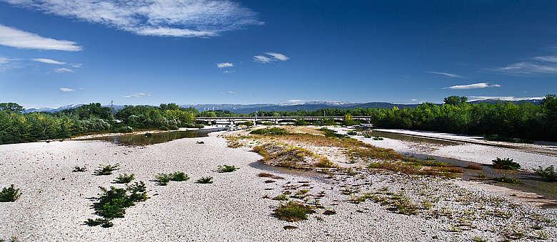Flussbett des Tagliamento-Flusses im Friaul nördlich von Udine