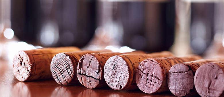 Korken von einer Vertikale des Rotweines Barbaresco im Weingut Punset in Neive