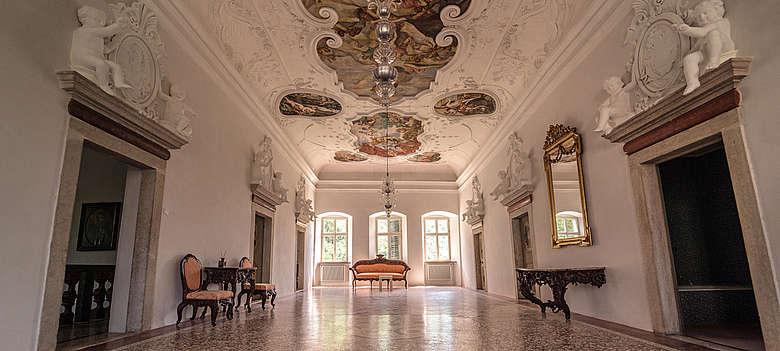 Italien-Wein-Suedtirol-Palais Longo Innenansicht in Neumarkt