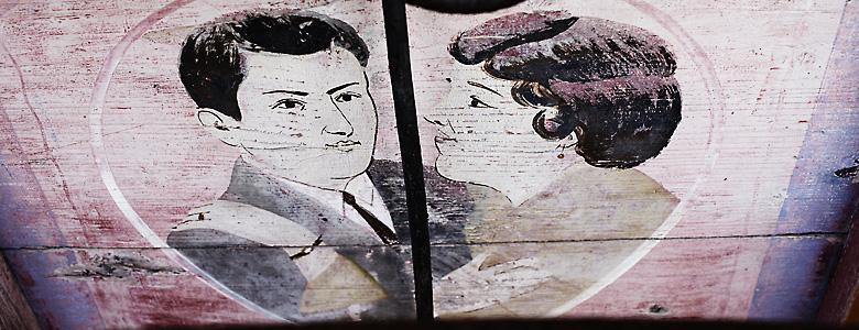 Italien, Abruzzen, Montepulciano, Zeichnung von Mann und Frau im Stil der zwanziger Jahre